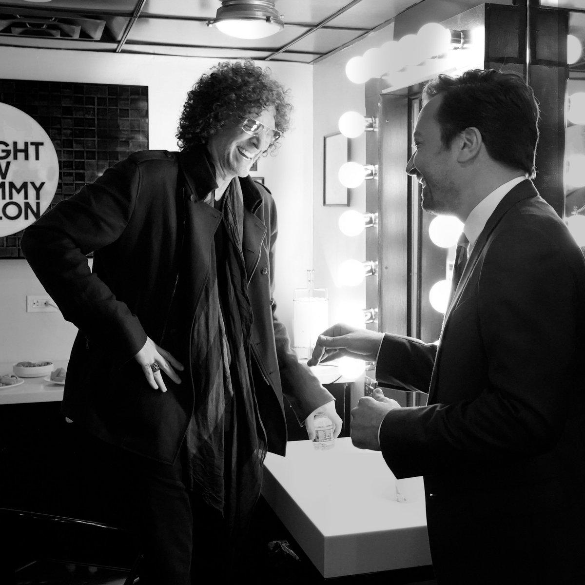 RT @jimmyfallon: Conversations with a friend #HowardSternComesAgain https://t.co/SYkvDjgjeZ