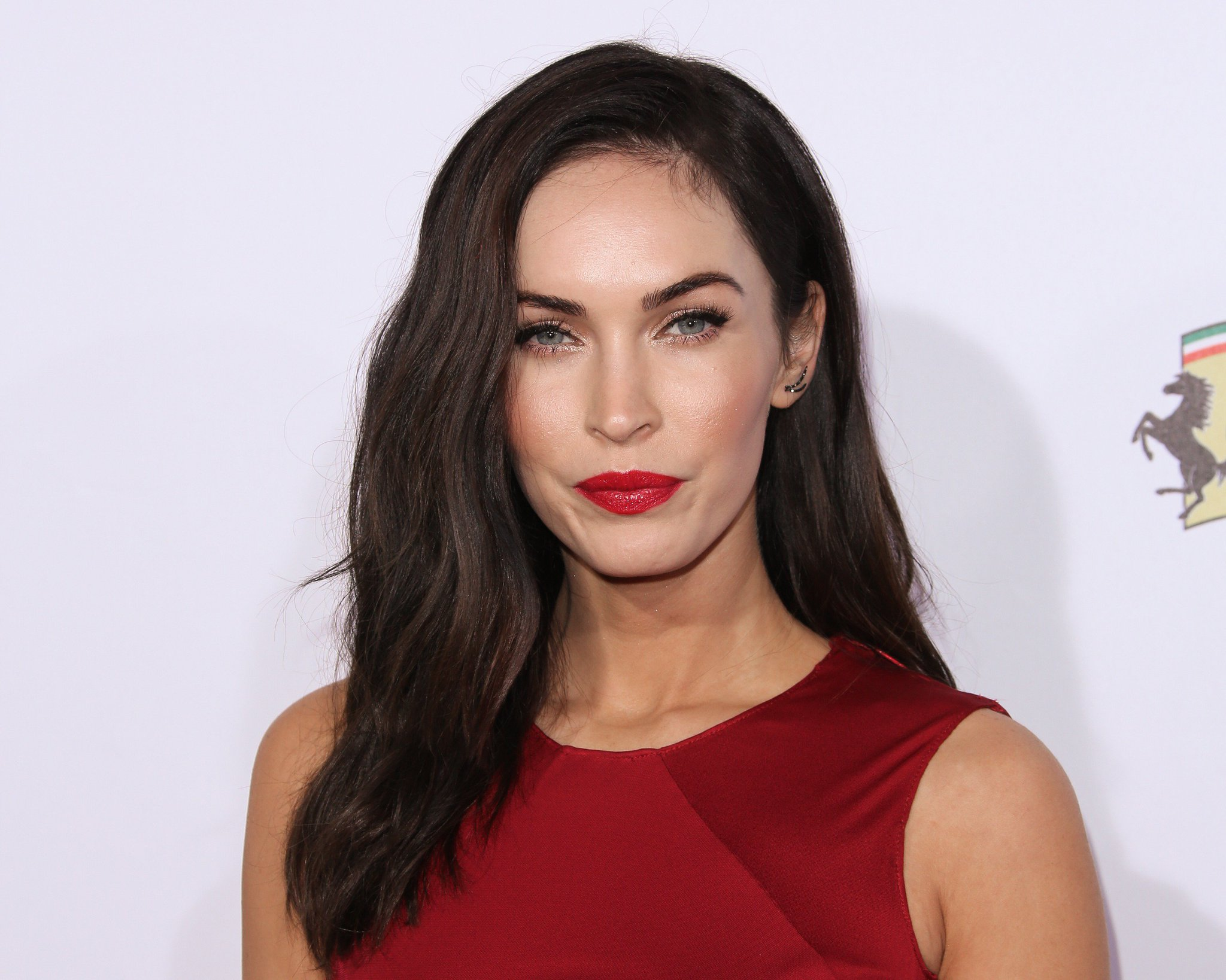 Birthday Wishes to Megan Fox, Pierce Brosnan, Thomas Brodie-Sangster and Miles Heizer.  Happy Birthday!