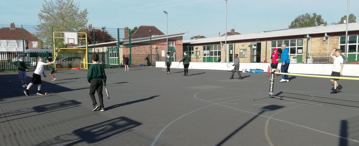 test Twitter Media - Year 5/6 in the sun this morning at breakfast tennis with @KHTennisClub https://t.co/rcg9OYRaNI