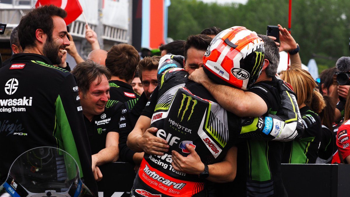 test Twitter Media - The relief of winning 🏆  Check out the interview with the four-time WorldSBK champion @jonathanrea 👇🏻  #ITAWorldSBK 🇮🇹   📃 | #WorldSBK  https://t.co/lgYfEsmkpQ https://t.co/z2goPkaU0h