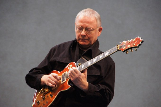King Crimson\s Robert Fripp turns 73 years today, happy birthday Rob