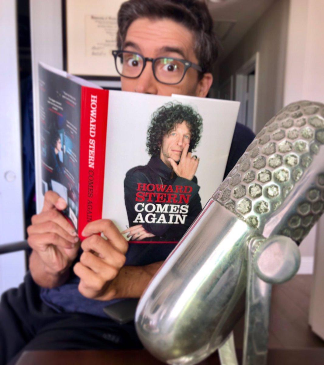 RT @RaoulFOX5: Please do not disturb. I'm reading. #HowardSternComesAgain @sternshow @HowardStern https://t.co/F8p7RcsmLT