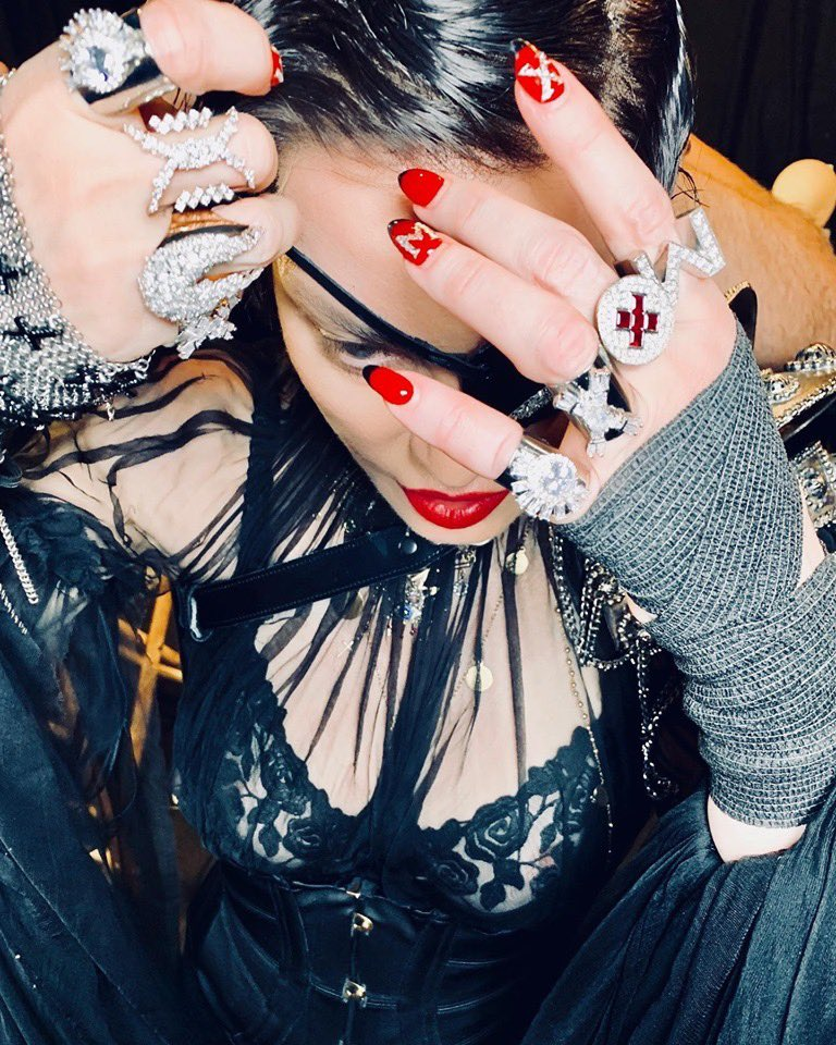 Not everyone is coming to the F U T U R E????????????  ft. @QuavoStuntin. Madame ❌ sees everything! #future #madamex https://t.co/wCJ0dgbwaH