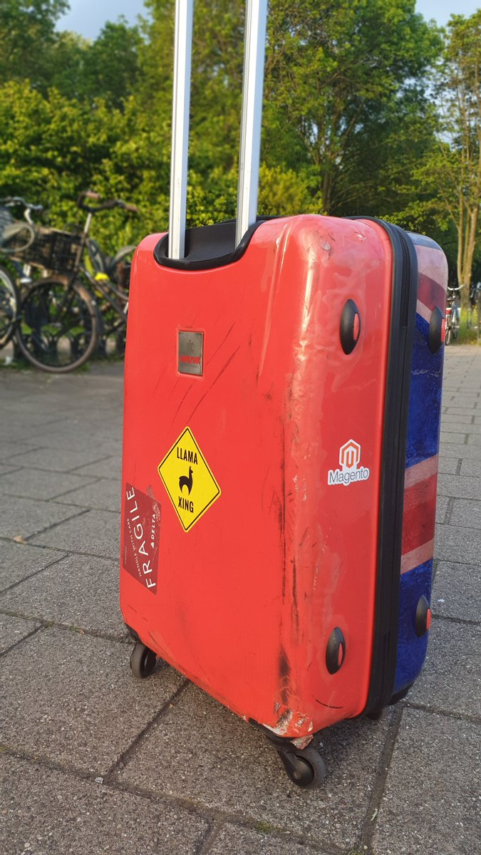 guido: Delta pasted a 'Fragile' sticker on my union jack suitcase.nnSeems quite appropriate.... #brexit #RoadFromImagine https://t.co/KNvQ00ZDiE