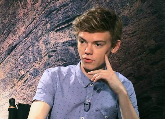 Happy birthday THOMAS BRODIE SANGSTER one of my favorite actors