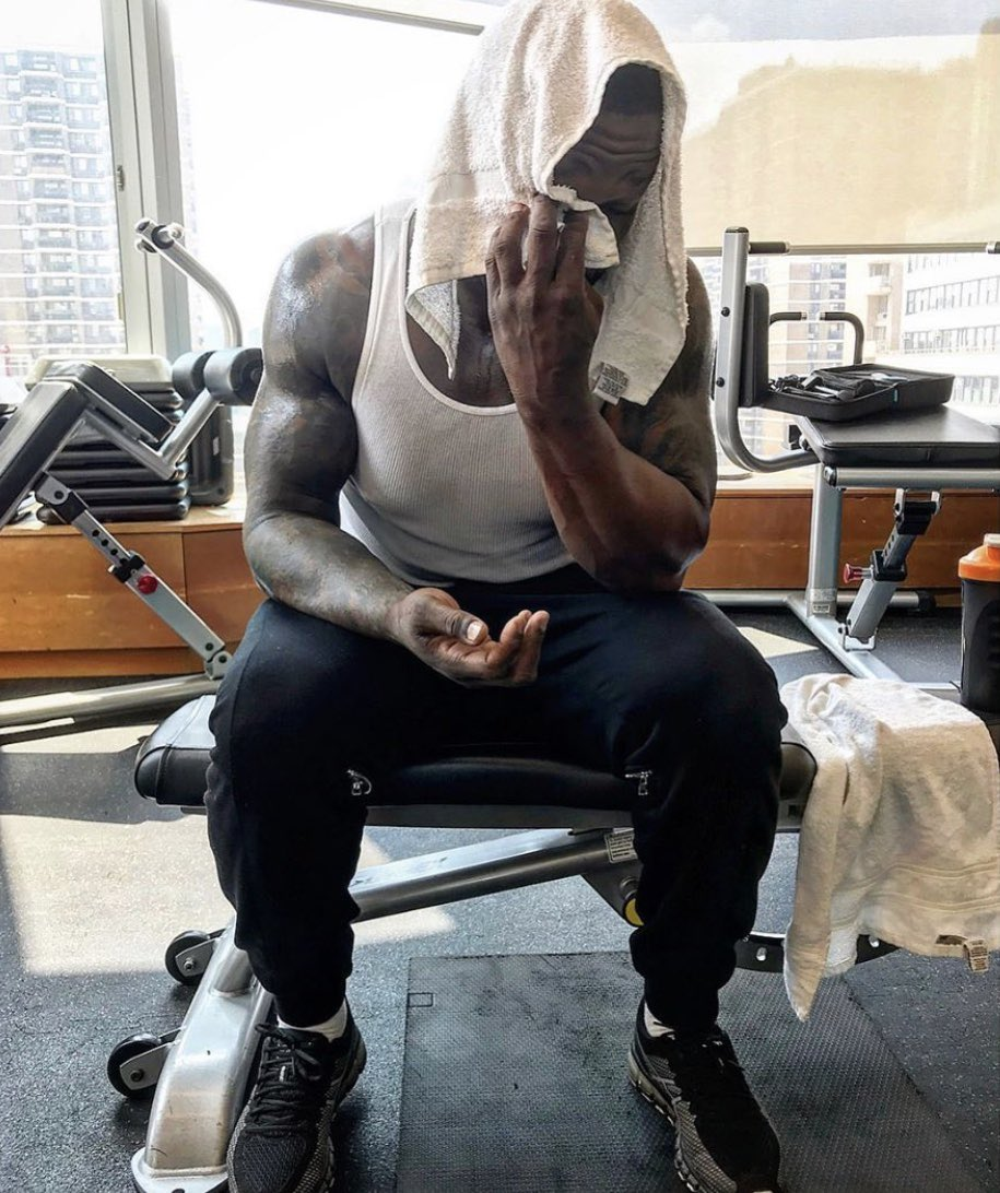 I'm dead,I did legs now I'm light headed. ????how the fuck do women do legs everyday #lecheminduroi #bransoncognac https://t.co/Rd1fTE2Cup