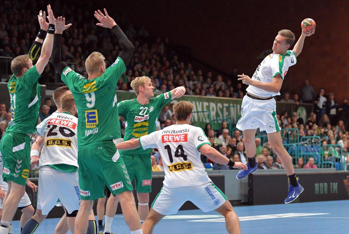 Der SC DHfK Leipzig hat Handball-Talent Julius Meyer-Siebert mit einem 3-Jahres-Vertrag ausgestattet! 🤾♂✍https://t.co/ydMfdmVEfu #GemeinsamVorbilderEntwickeln https://t.co/q7Nd8YDJPv