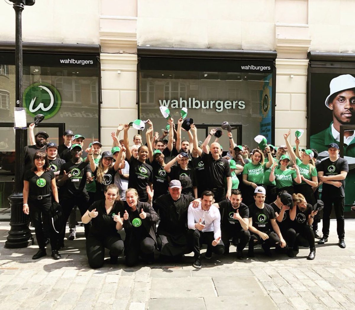 Hello London! @Wahlburgers is officially open in Covent Garden today!! ???????????? https://t.co/dFUJCmwQmV