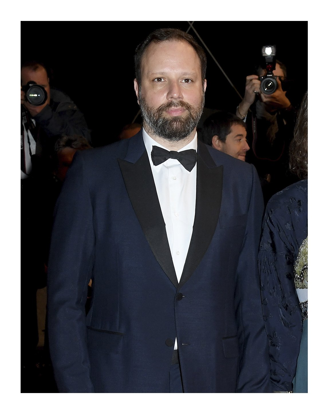 During the 72nd annual @Festival_Cannes, jury member #YorgosLanthimos wore a #Gucci Heritage tuxedo with black grosgrain contrast lapel, a covered placket evening shirt, grosgrain bowtie to the screening of 'The Whistlers (La Gomera)'.  #AlessandroMichele #Cannes2019 https://t.co/8UTNsVWAUU