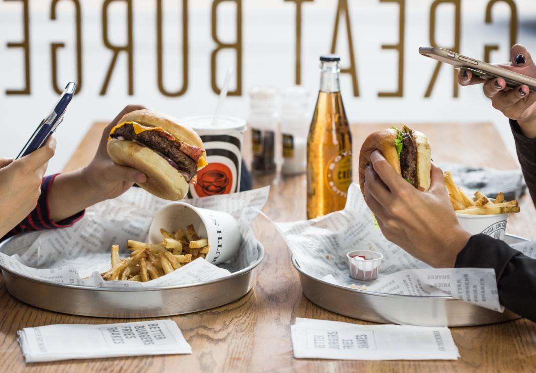 Share a pic of your South St Burger and you could win a free burger!    #SouthStBurger #BetterBurgers https://t.co/WPboiJpB2c