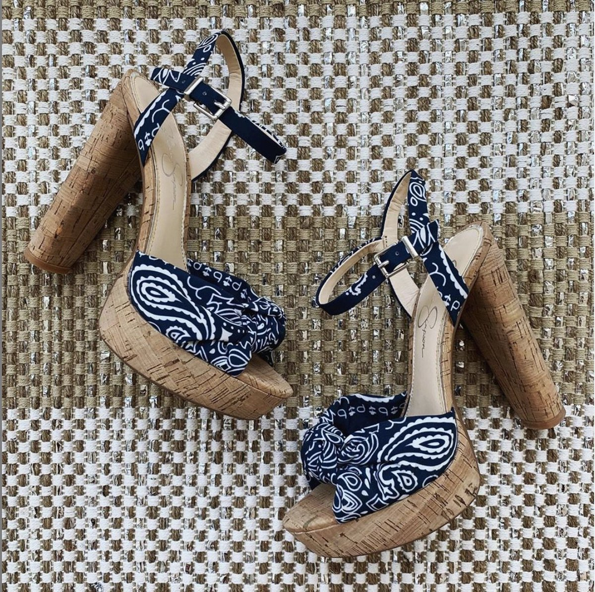 My inner Texan loves these shoes!   https://t.co/k0URevwngB https://t.co/anaWEO4vVI