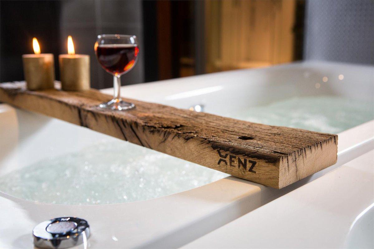 test Twitter Media - Ontspannen na een lange (werk)dag doe je met een boek in bad. Met de badsteun van Xenz wordt badderen nóg fijner. En naast je boek is er ook nog plek voor een wijntje. Cheers! #sanitair #badkamer #badderen #ontspannen #timetorelax #wonen #interieur https://t.co/KhqrQGkaaL