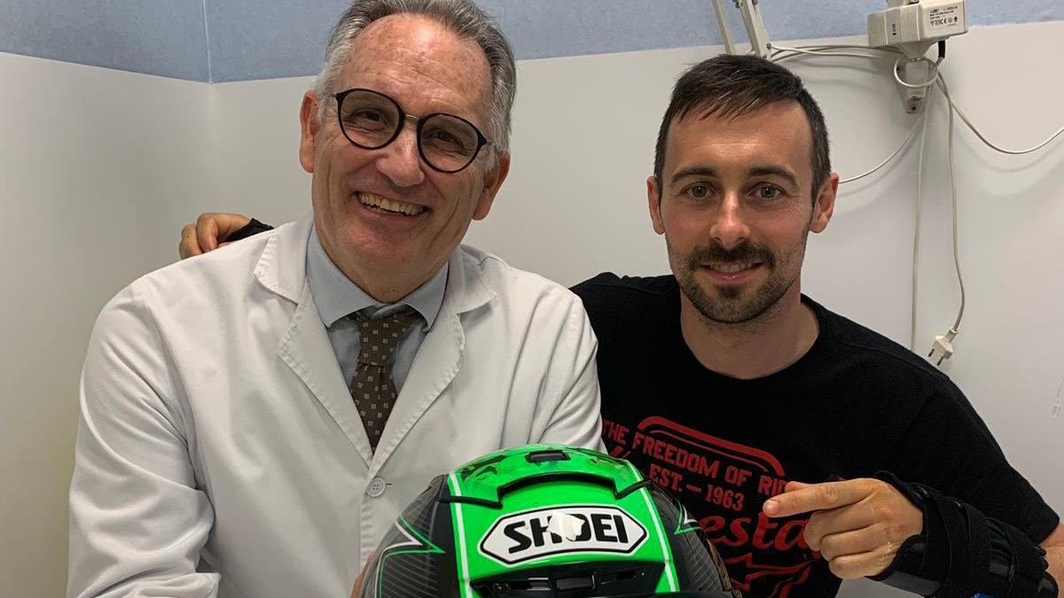 test Twitter Media - Injury update: Grateful @eugenelaverty aiming for Misano return 💪  The Irish racer is well on the road to recovery after facing surgery on both of his wrists  📃| #WorldSBK https://t.co/WxrEjHe3Ji https://t.co/MMiBCox4CE