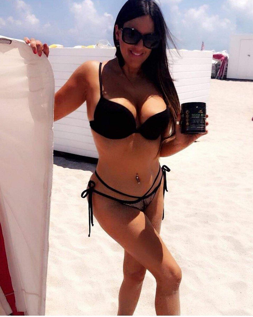 RT @Vsvsvsvs2019: Bellissima ragazza  italiana @ClaudiaRomani https://t.co/EkuYutC1ey