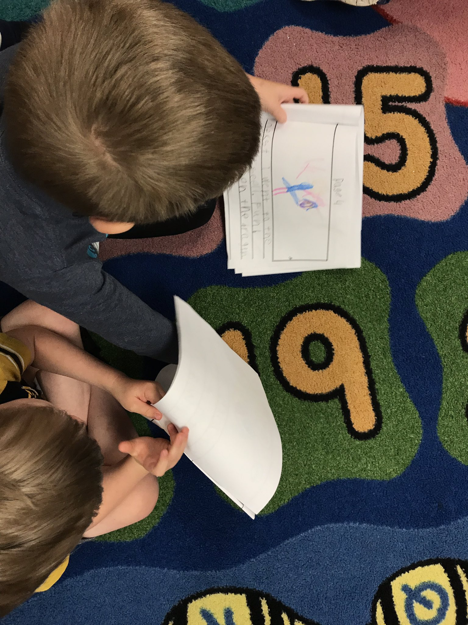 Share time is such an important part of Writer's Workshop...a great time to discover what they are doing well and what they can still work on!  @KinderTeacherB https://t.co/PiN0Yrfqgk