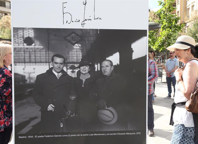 test Twitter Media - Casi una veintena de fotografías procedentes del archivo gráfico de la Agencia EFE nos muestra en Granada el perfil más cercano de García Lorca. Una gran noticia porque en breve también verá la luz nuestra edición de #Lorca con su Prosa y Poesía completa https://t.co/fOAWItuJUA https://t.co/SgehndA47L