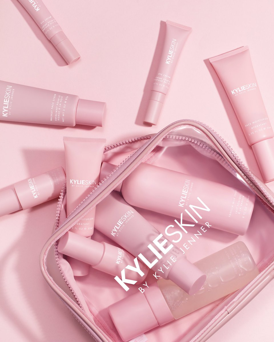 one hour to go!!! @kylieskin launches at 9am pst on https://t.co/n1uvmPB0xY https://t.co/E29L6yRxaH