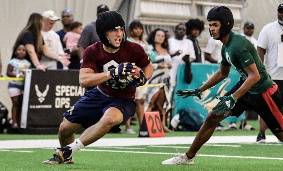 test Twitter Media - BREAKING: Miami adds a commitment from Deerfield Beach 3-star ATH Xavier Restrepo. Dan Enos evaluated him in-person last week. https://t.co/o8rW7SHgoV https://t.co/uMkd3QzL3K