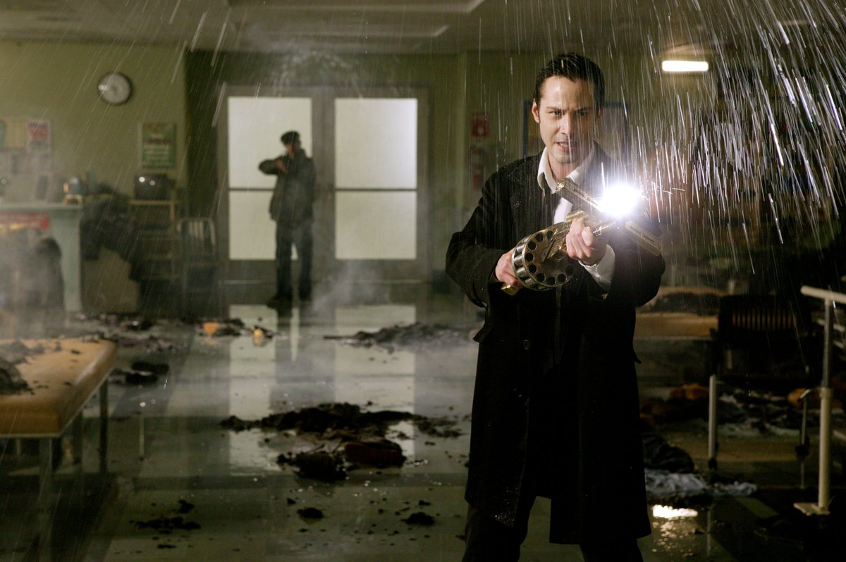"""Keanu Reeves wants to revisit the role of John Constantine: """"I just loved that world, too"""""""