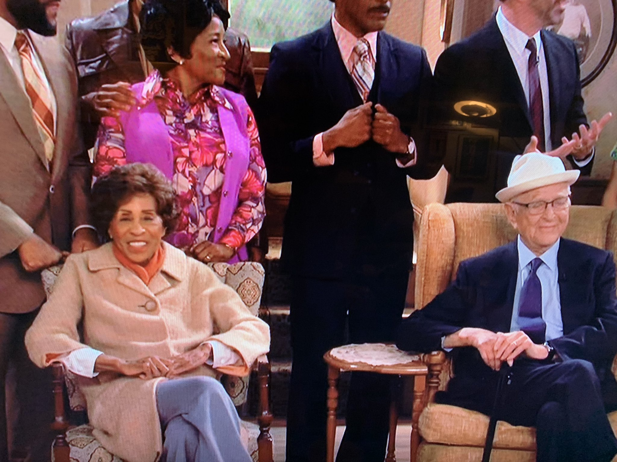 Marla Gibbs and @TheNormanLear live on @ABCNetwork! Legends! Thank you for the memories. #LiveInFrontOfAStudioAudience https://t.co/FhLGJ1w9yI