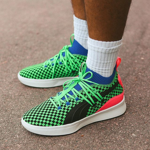 "PUMA is preparing us for the warm weather with the Clyde Court ""Summertime"" ☀️ covered in an eye-catching green & black checkerboard print. Releasing on 5/25, who's making this their Summer hoop shoe? #kicksonfire https://t.co/fAkcipfv1u"