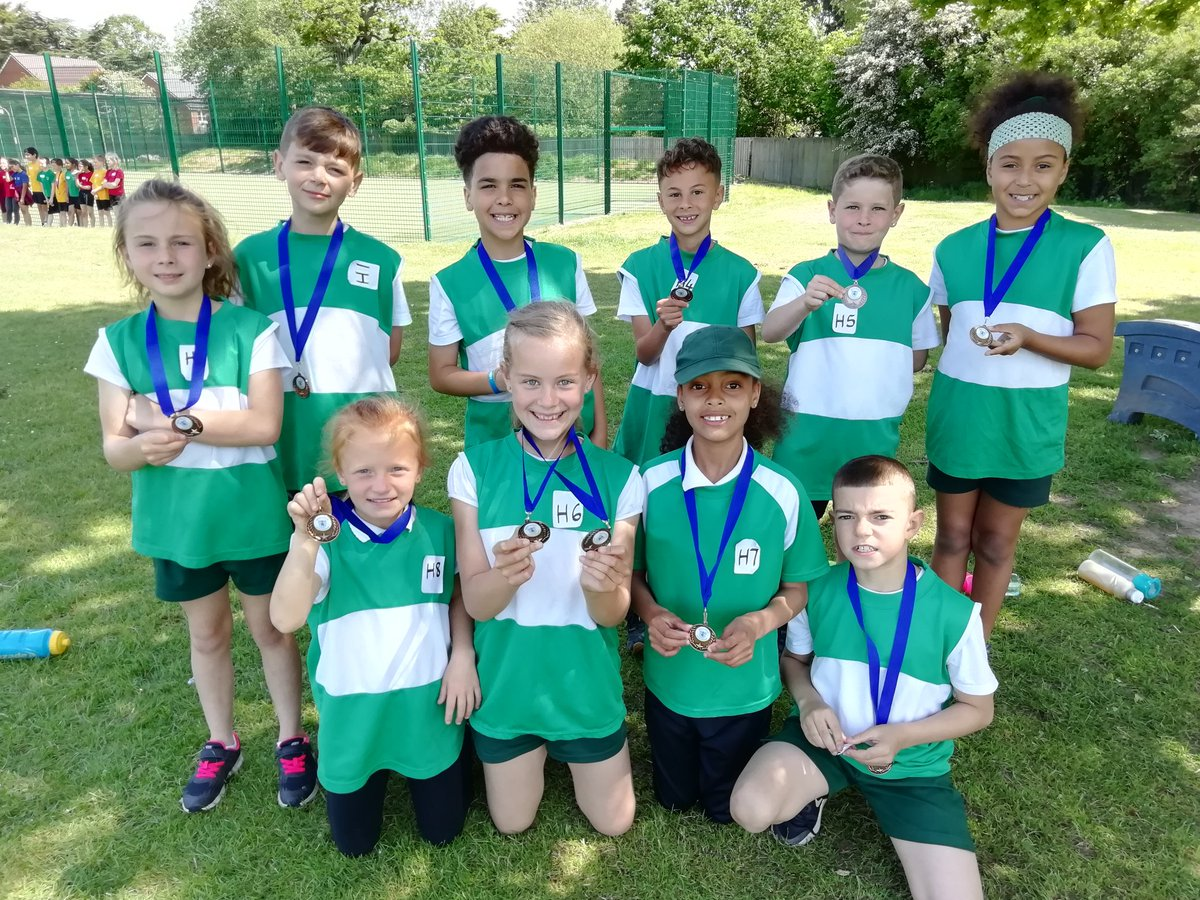 test Twitter Media - Happy Y3&4 with their bronze medals from @KingsHeathSP Super 4's. Some great 400m times! https://t.co/2mchYsp3LC