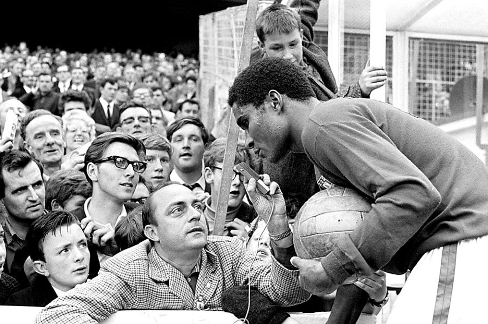test Twitter Media - #Portugal Eusebio getting interviewed before the 1966 World Cup final match against #NorthKorea at Goodison Park https://t.co/sqBlRBa9ot