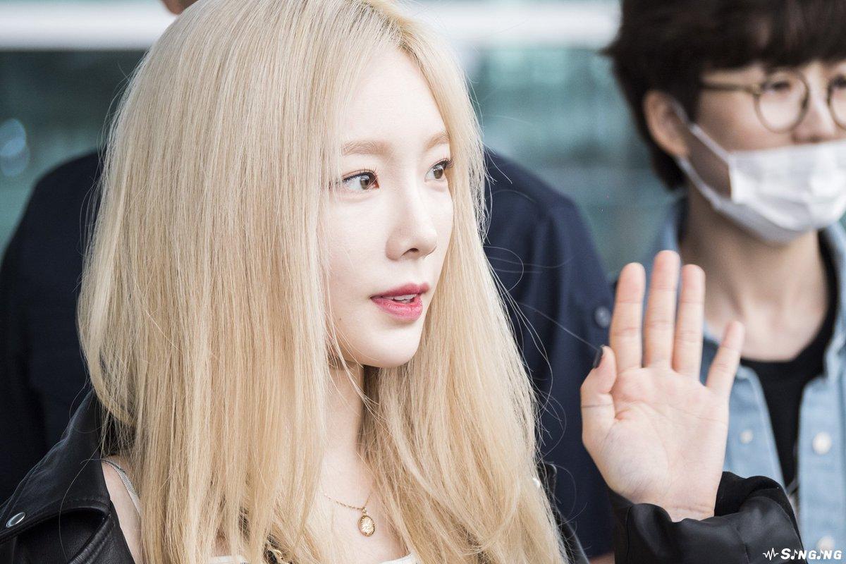 RT @singing_view: 190519 ICN 촐국 cute~ #태연 #Taeyeon #太妍 https://t.co/QqHEkfdorq