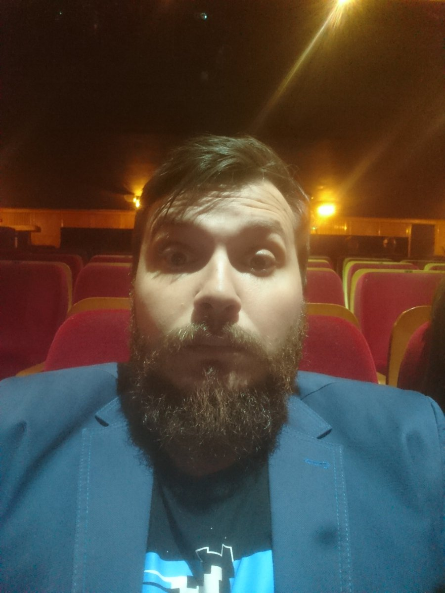 #piateczek #teatr #ateneum #gomb