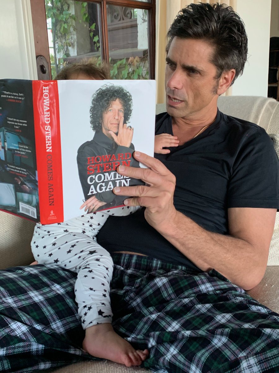 RT @JohnStamos: Bedtime stories from Uncle @HowardStern.   #HowardSternComesAgain @sternshow @BethStern https://t.co/W8CxYqLQol