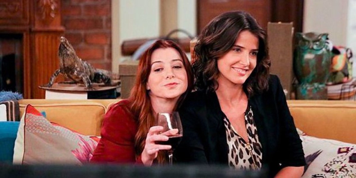 Happy #NationalWineDay to all my hard working friends out there! Cheers to you????@CobieSmulders https://t.co/X4O62iABVD
