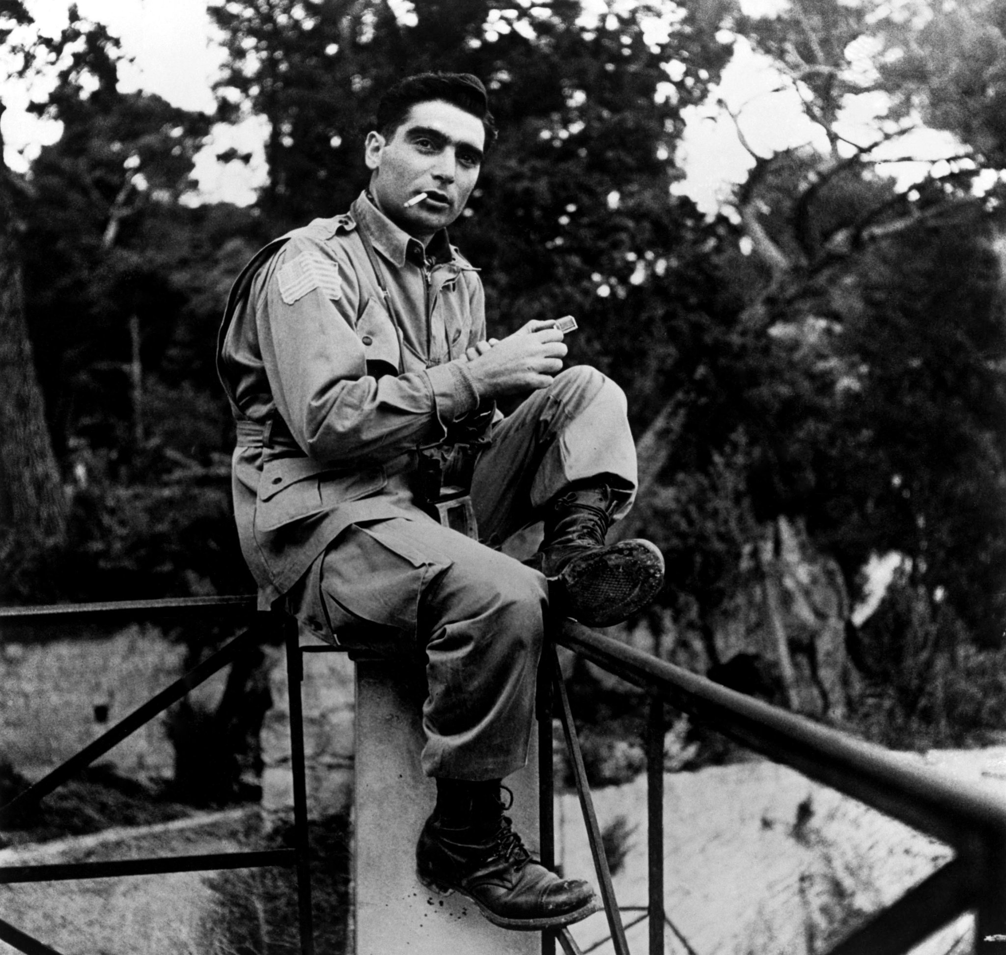 Today marks 65 years since the death of Magnum co-founder Robert Capa on May 25, 1954, during the First Indochina War.  © George Rodger/Magnum Photos https://t.co/gIMLeifQs8