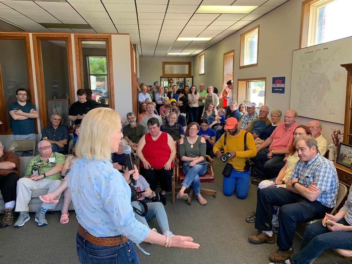 RT @jsdlmd: Full house in Charles City for Senator Gillibrand. https://t.co/wXmMNP6Y98