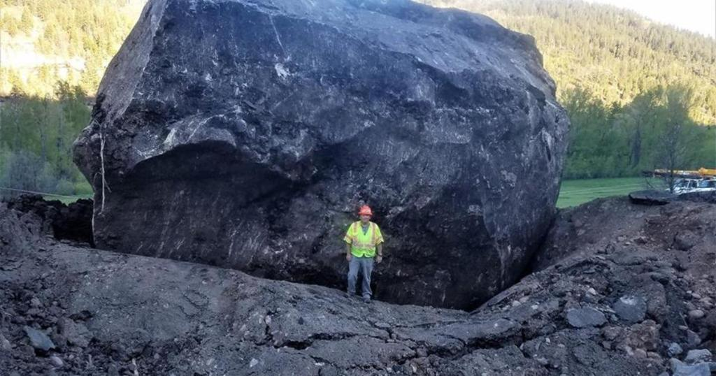 "Massive boulder closes Colorado highway ""indefinitely"""