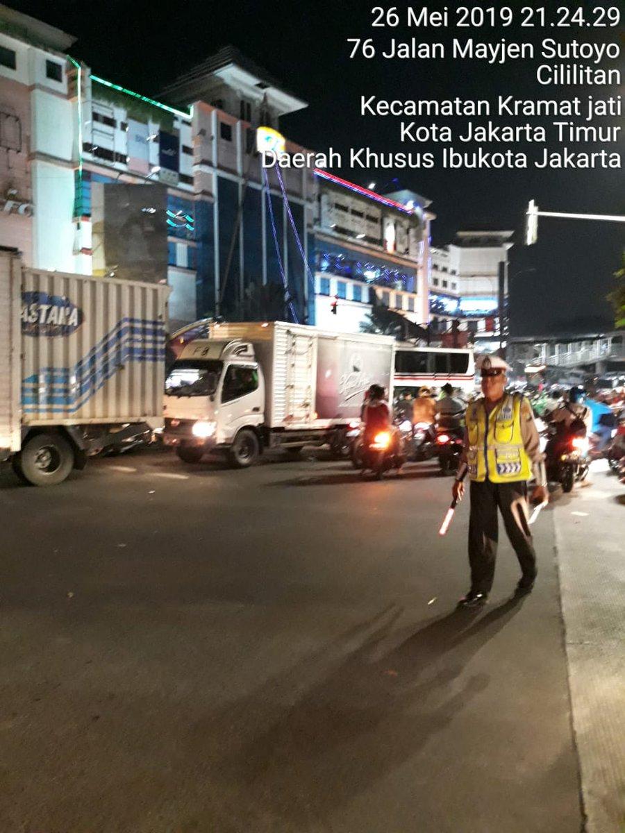 21:47 Pengaturan lalu lintas di TL PGC situasi terpantau ramai cenderung padat https://t.co/HgsdXA6N6p
