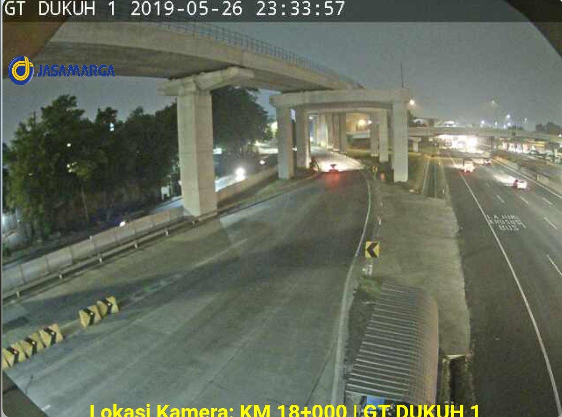 23:58 Tol Jorr Km 18 + 00 Dukuh 1 ( arah Kp.Rambutan ) lancar. https://t.co/ZsLLLNCALs