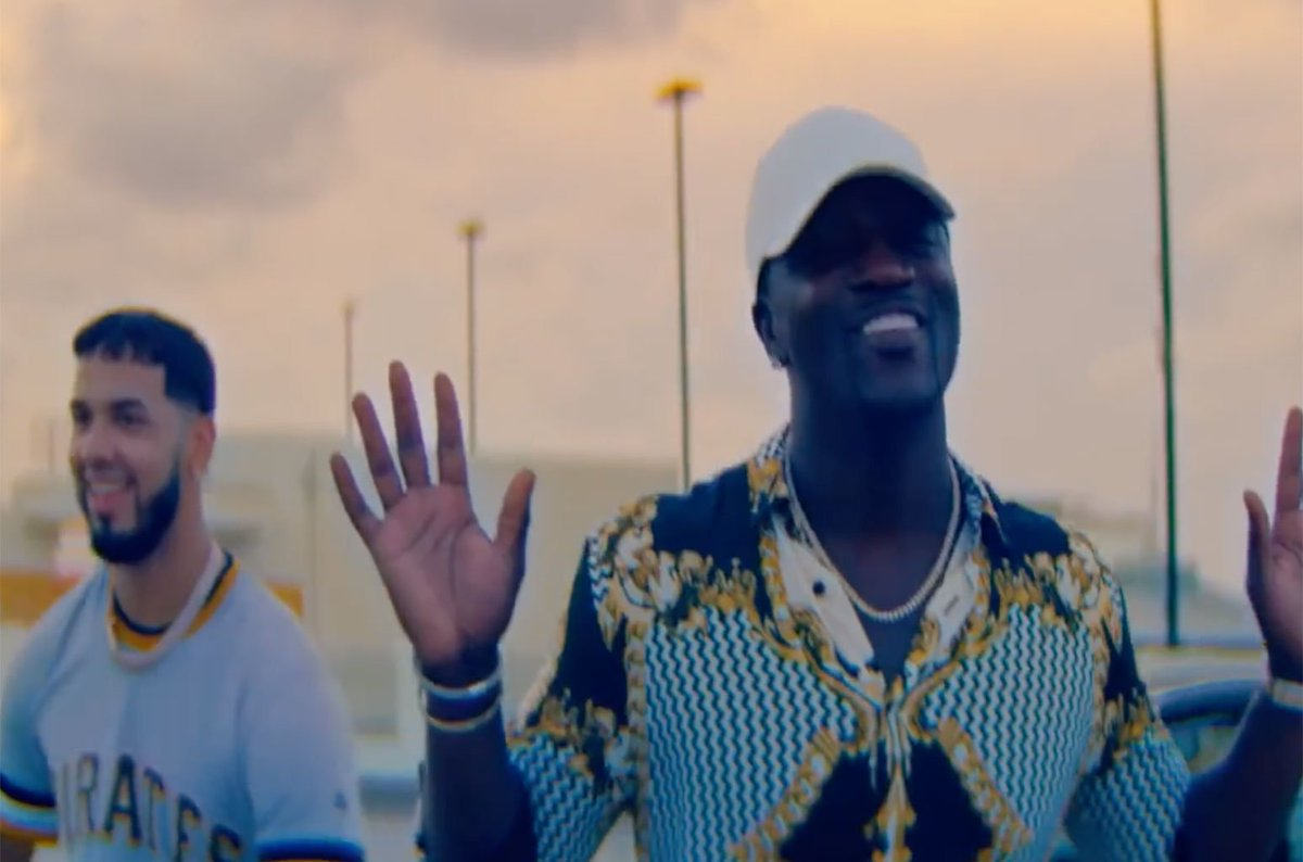RT @billboard: .@Akon talks about Latin culture & his new song #GetMoney with @Anuel_2bleA https://t.co/XR4QoXsG5q https://t.co/VAzu03iib2