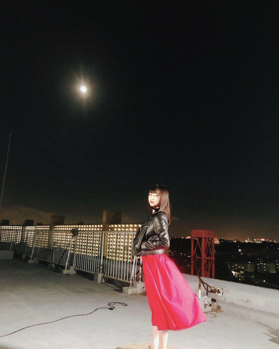 test ツイッターメディア - 8月に #FOD で配信されるドラマ「ヤヌスの鏡」で主演を務めさせていただきます。 原作は38年前に連載されていたもので、私はヒロミとユミ、2つの人格を持つ女子高生、小沢裕美を演じました🙋♀️ 配信を楽しみに待っていてください!#ヤヌスの鏡 https://t.co/8sc6zpc5NA