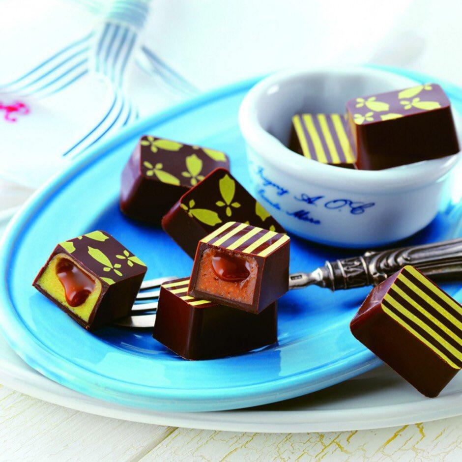 test ツイッターメディア - ロイズで生チョコレートやマカロンなどの夏の新作が、本日より多数発売しました!  世界中のシェフたちに愛される『ゲランドの塩』の風味が活きたお菓子や夏味の生チョコレート、夏ギフトを販売していますo(`・ω・´)o  https://t.co/bWqe4s70Bi https://t.co/jmczdw3FOu