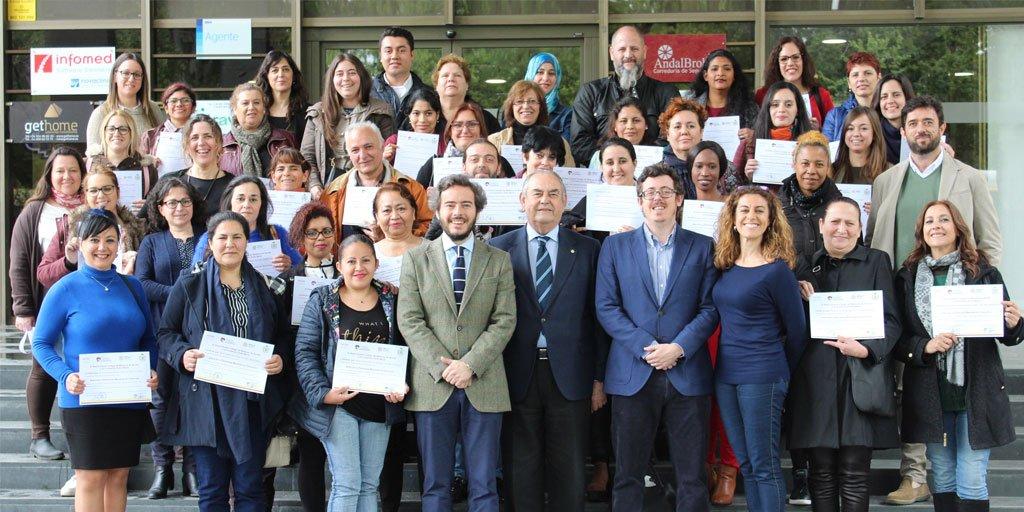 """test Twitter Media - El Colegio de Médicos de Sevilla @RICOMSevilla  y @FundomarSevilla colaboran en el Programa """"Forma-Empleo"""",  gracias al cual se ha formado en el área de atención a las #PersonasMayores a 30 jóvenes desempleados.   Info vía @GeriatricArea https://t.co/1ncwLvGOQ0 https://t.co/BjDRlUCWlb"""