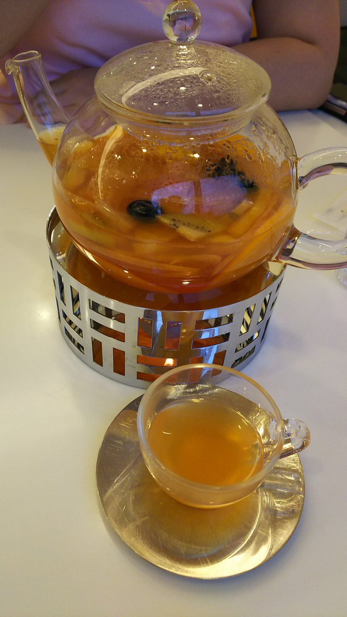 test ツイッターメディア - 京都伊勢丹に入っているマールブランシュの喫茶店☕で。 西村先輩のお母様に教えて頂いて、もう、虜になってしまった。 フルーツティーは二人ぶんで2000円くらい。美味しい、安い!! 西村先輩のお母様いいなー、毎日だって来られるよね✨ https://t.co/LxARaFrGki