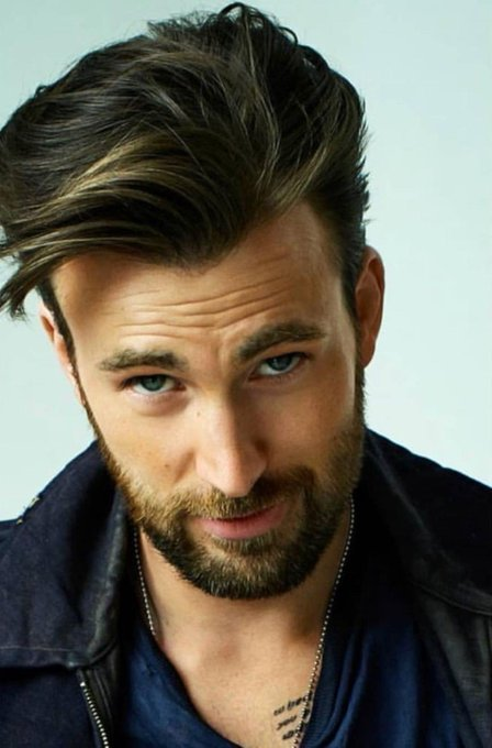 Happy bday Chris Evans I love his so so much.
