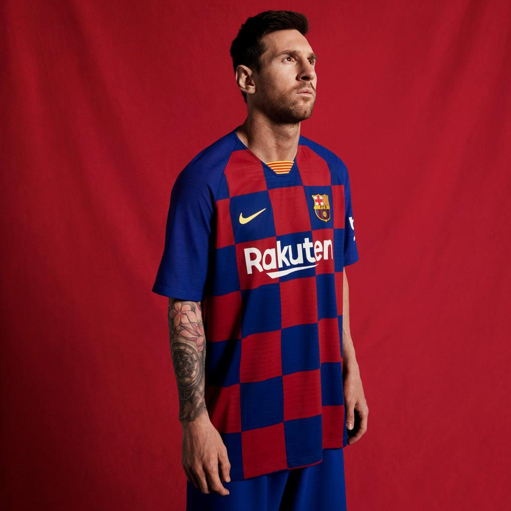 """🗣 Lionel Messi: """"Without me, Barcelona would be the same club. Without Barcelona, I would be nothing."""" https://t.co/P4qS1yyyFw"""