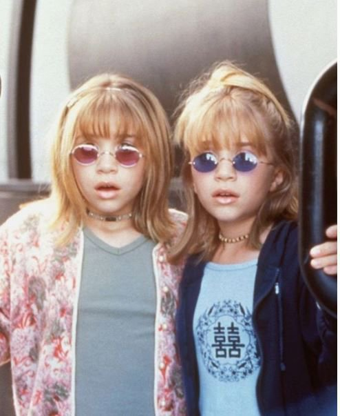 Happy 33rd birthday to the ICONIC TWINS Mary-Kate and Ashley Olsen
