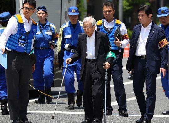 test ツイッターメディア - 飯塚幸三に対して安藤優子:  「2本の杖がないと歩行することが困難だと見えましたよね。それなのに医師に止められていたにも関わらずこの人は運転をして…そこに対しての自覚ってあるんでしょうか」  #事故 #池袋母子死亡事故 https://t.co/Lc2EwViwfE