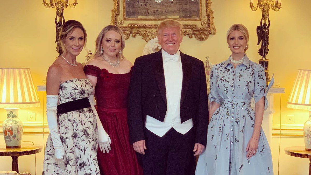 A spectacular State Banquet hosted by Her Majesty The Queen at Buckingham Palace ???????????????? https://t.co/kP0TVodzdv
