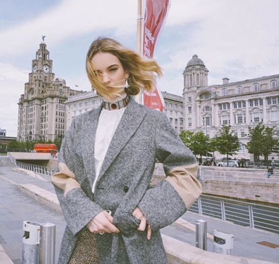 .#LilyJames in the new #VBPreAW19 trench patch tweed coat. Discover it at https://t.co/Ukr2cRgFur https://t.co/QwqxE1IK8p