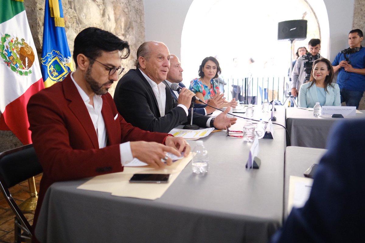 RT @ASocialJal: Instala Gobierno del estado el Consejo Jalisciense de Asistencia Social: https://t.co/jM8VLmmgam https://t.co/qICt4o9X6c