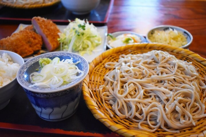test ツイッターメディア - 【今日の水戸ランチ@笠原町】 梅雨晴れの暑さに、のどごしのよいお蕎麦はいかがでしょう。汗ばむ日は出汁の効いためんつゆが殊更においしいですよね。  そんなあなたにおすすめ! 長野で修業を積んだ店主の戸隠そばが頂ける「梅の茶屋」さんへGO!   詳しくはこちら ▶️https://t.co/cyxMA0YJbO https://t.co/aVkaFiu3Qm