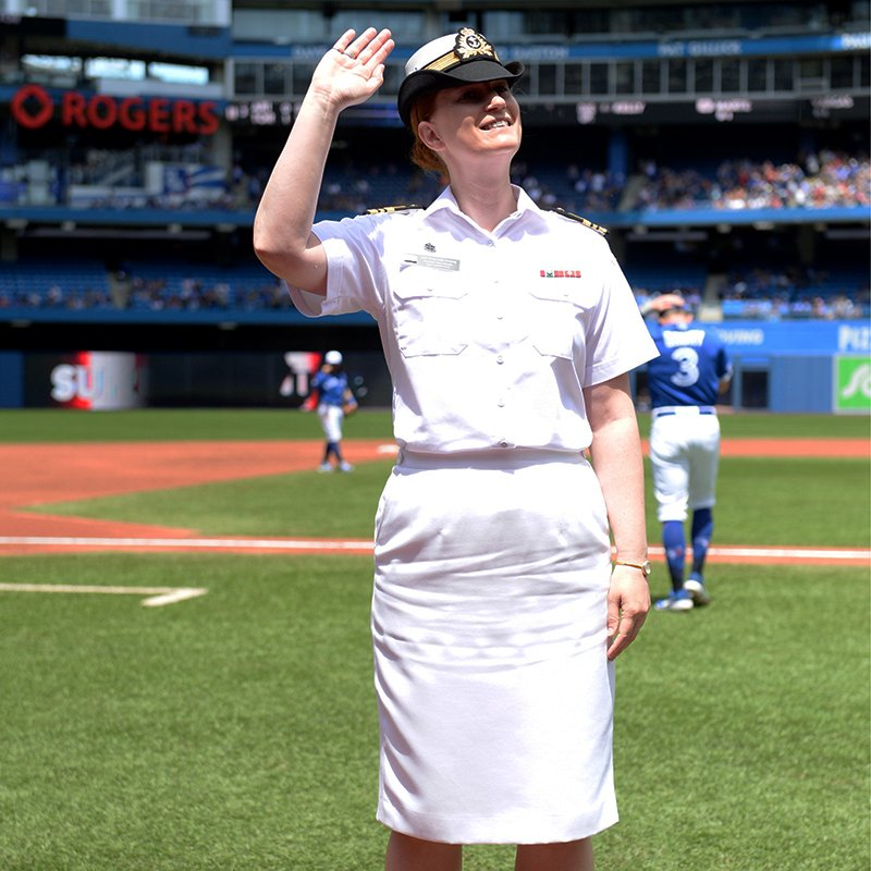 Today's Sunday Salute goes to Lieutenant-Commander Tracy-Anne Versteeg.    Thank you, Tracy-Anne, for your service 👏👏👏 https://t.co/HIMLSzk8qi